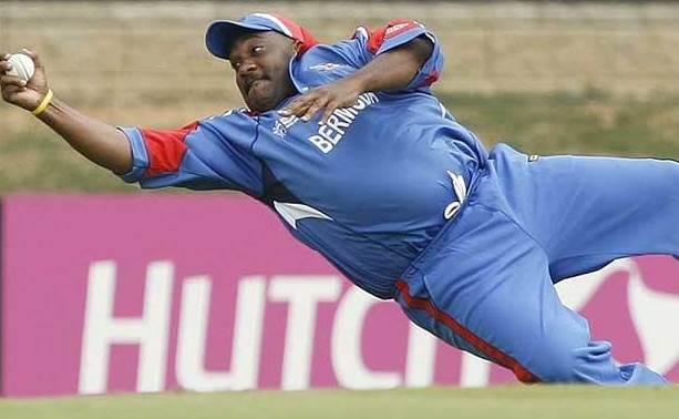 Dwayne-Leverock-Catch.jpg