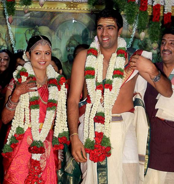 R Ashwin And His Wife 10 Indian cricketers w...