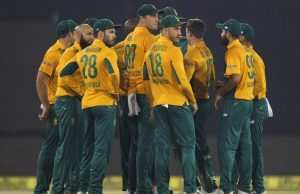 South Africa Team Huddle In 2nd T20I against India In Barabati Stadium Cuttack