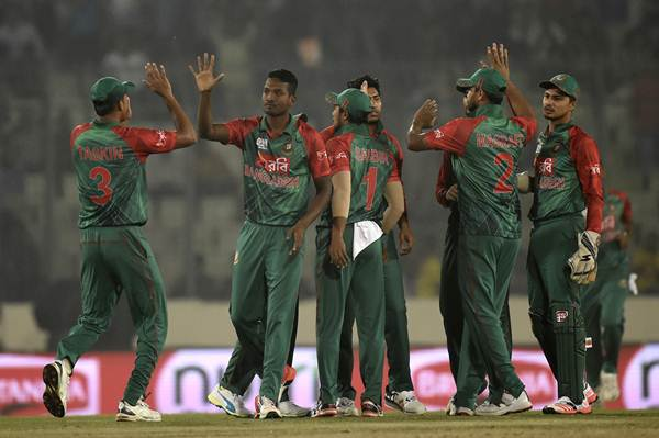 Sri Lanka beat Bangladesh by six wickets