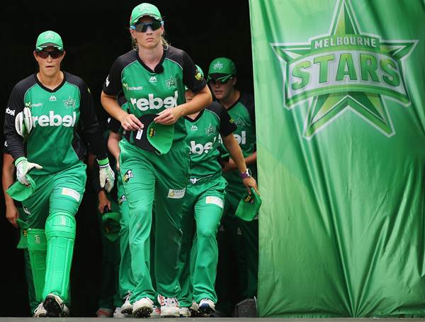 MELBOURNE, AUSTRALIA - JANUARY 02: Meg Lanning of the Stars leads the team out to field during the Women's Big Bash League match between the Melbourne Stars and the Melbourne Renegades at Melbourne Cricket Ground on January 2, 2016 in Melbourne, Australia. (Photo by Michael Dodge - CA/Cricket Australia/Getty Images)