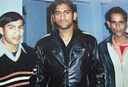 MS Dhoni with his elder brother Narendra Singh Dhoni - on right (Photo Source: DNA)