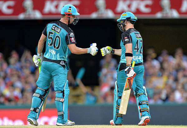 McCullum extends association with Brisbane Heat