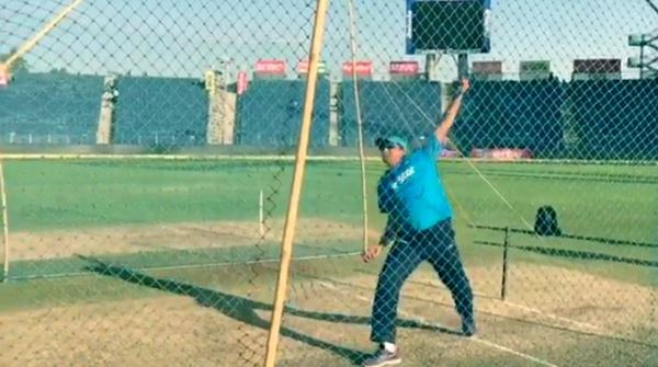 Commercial Cricket Games - Anil Kumble's Googly Cricket ...
