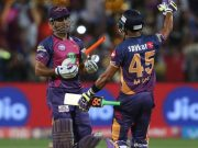 MS Dhoni and Manoj Tiwary Rising Pune Supergiants