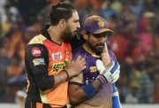 Yuvraj Singh of Sunrisers Hyderabad with Robin Uthappa of Kolkata Knight Riders