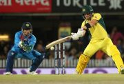 MS Dhoni fails to stump out Aaron Finch