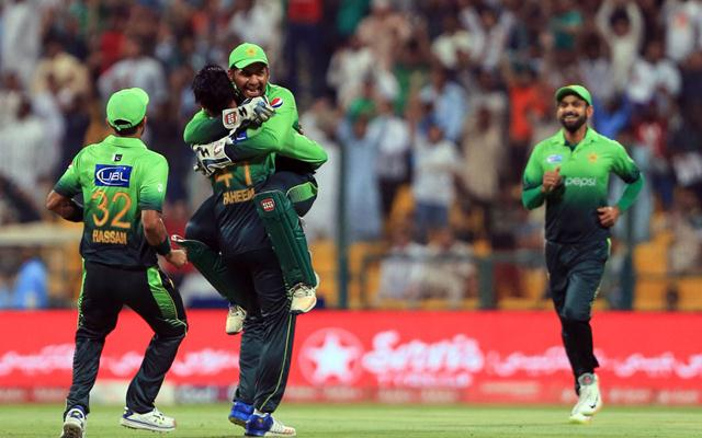 New Zealand rout Pakistan in 2nd ODI in Sharjah