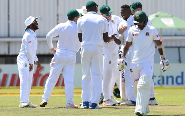 Andile Phehlukwayo of the Proteas celebrates the wicket of Liton Das