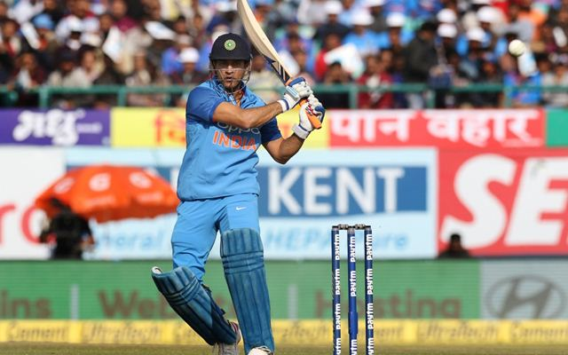 This Video proof MS Dhoni is the fittest person in team India