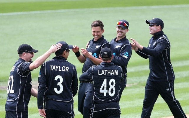 New Zealand beats Pakistan by 5 wickets in 4th ODI