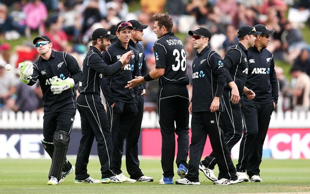 Williamson, Taylor lift NZ as Pakistan fire in 3rd ODI