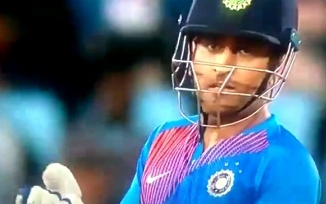 Ms Dhoni S Expletives For Manish Pandey Becomes The Latest Trending