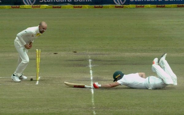 Australia can not hide delight at running out AB de Villiers