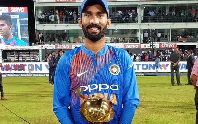 Here's why Amitabh Bachchan apologised to Dinesh Karthik on Twitter