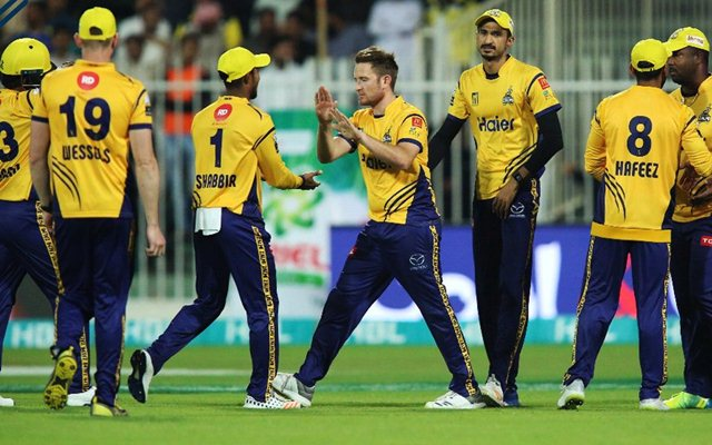 Sammy's late cameo lifts Zalmi to 157 against Gladiators