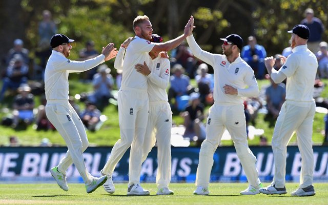 England 113-1 at tea on day 3