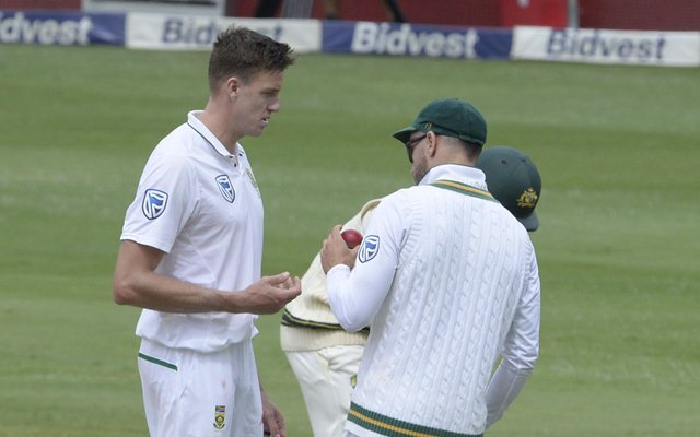 Morkel suffers side strain on day three