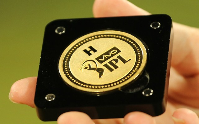 IPL 2018 ordains itself with new brand new gold coins - CricTracker