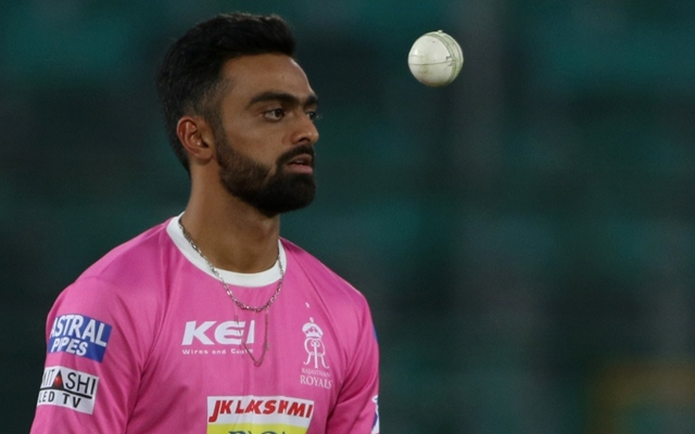 Ashwin stirs up controversy by `mankading` Buttler