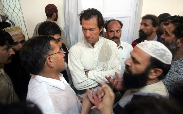 Pakistan election: Khan claims victory amid rigging claims