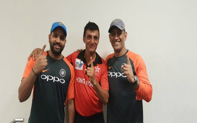 Ehsan Khan with Rohit Sharma and MS Dhoni