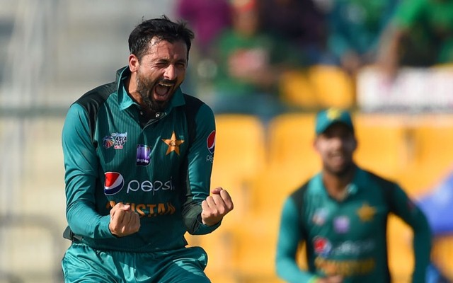 Junaid Khan takes 3/26 for Khulna Titans in the Bangladesh Premier League