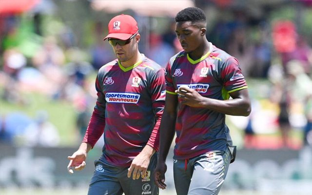 AB de Villiers and Lutho Sipamla