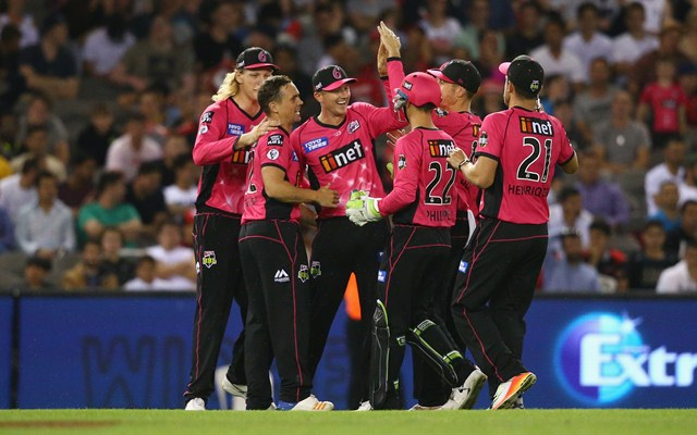 Sydney Sixers beat Melbourne Renegades in BBL fixture
