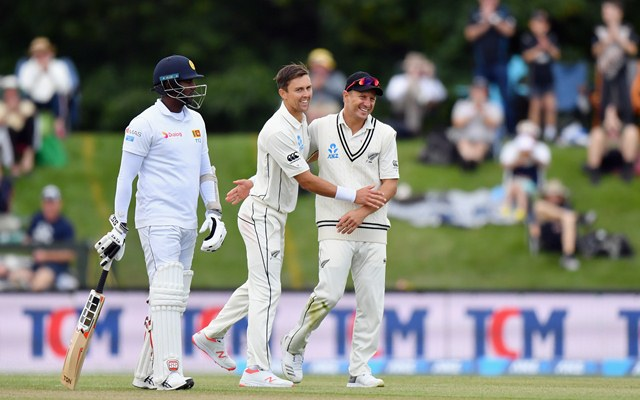 Dananjaya takes 3 wickets; New Zealand 71-3 at lunch