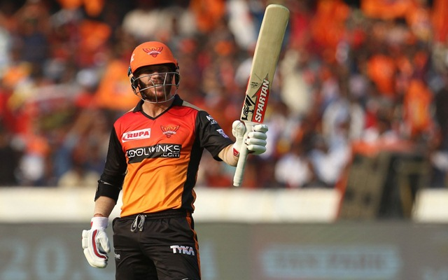 Twitter Reactions: David Warner runs riot in Hyderabad against RCB to notch up his 4th IPL ton