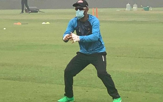 Image result for bangladesh cricket team practicing in delhi and wearing mask