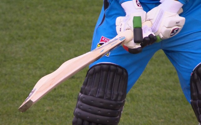 Rashid Khan flaunts 'camel' bat during BBL innings