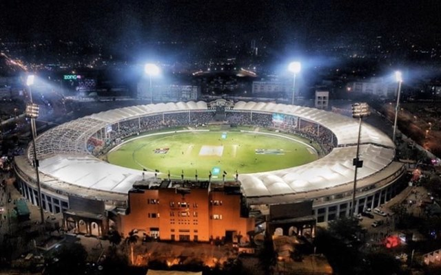 PSL: Peshawar Zalmi win toss, opt to ball againt Karachi Kings