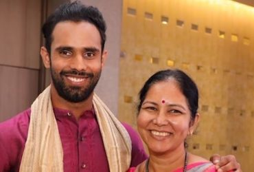 Hanuma Vihari with his mother
