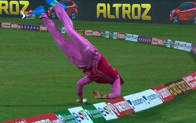 Thailand's Nattakan Chantam brings cricketing world to a standstill with  her stunning save near boundary rope
